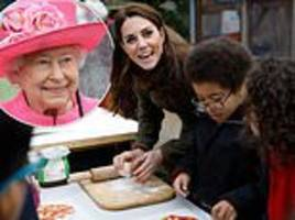 kate middleton stumped when girl asks if the queen eats pizza