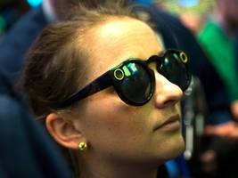 snap's cfo is bolting. here's what wall street is saying about a 'clear negative' for the company (snap)