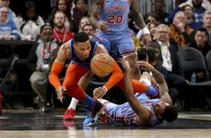 schroder hits final 11 points, hawks top thunder 142-126