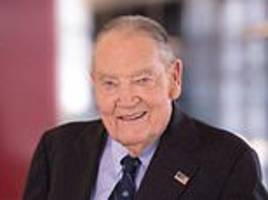 founder of pioneering investment firm vanguard, john bogle, dies aged 89