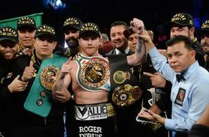 Canelo Alvarez (50-1-2, 35 KOs) to fight Danny Jacobs on May 4