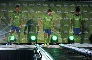 sounders land new jersey sponsor in online retailer zulily