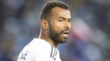 derby in talks to sign ex-england left-back ashley cole