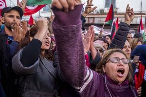 tunisia's largest union stages strike as pm warns of cost