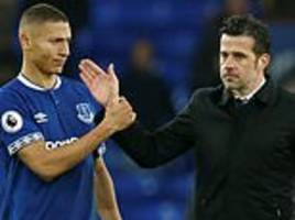 marco silva to continue playing richarlison as a striker, despite run of four games without a goal