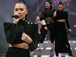 nicole scherzinger and adriana lima turn up the heat in black co-ords at maybelline show in berlin
