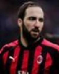 gonzalo higuain to chelsea 'confirmed', but unlikely to play arsenal - italian journalist