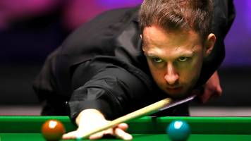 masters snooker 2019: judd trump beats mark selby to reach semi-finals