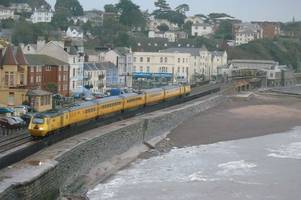 rare flying banana yellow train spotted on dawlish line as severe weather strikes