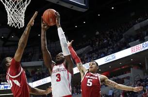 No. 18 Mississippi rolls to 84-67 win over Arkansas