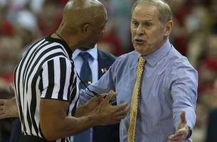 Michigan suffers first loss of season, 64-54 at Wisconsin