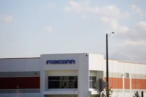 foxconn might slow hiring at its wisconsin plant