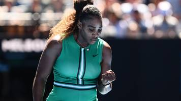 Serena Williams eases past teenager into Australian Open fourth round