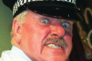 It Ain't Half Hot Mum star Windsor Davies dies aged 88