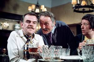 it ain't half hot mum actor windsor davies - who taught at a north staffordshire school - dies aged 88