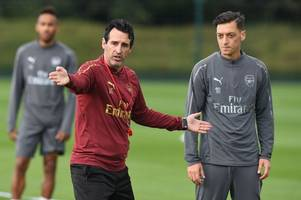 arsenal hero alan smith outlines exactly what the club need to do with mesut ozil this month
