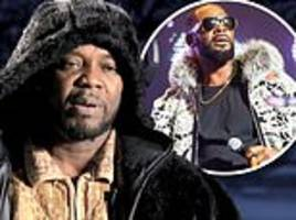 r. kelly's younger brother carey kelly says his big brother has a 'problem with control'