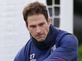 eddie howe praises asmir begovic after dropping bournemouth goalkeeper