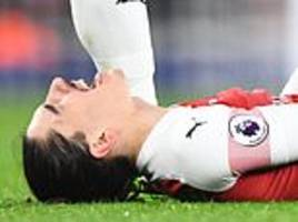 hector bellerin set to be ruled out for the season over fears he suffered cruciate ligament injury