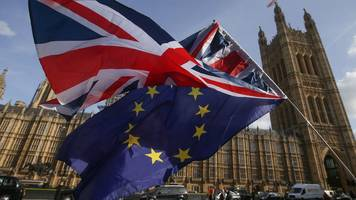 Downing Street warns MPs not to block Brexit
