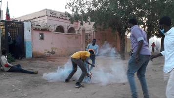sudan president defiant as deadly protests continue