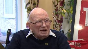 liverpool fan celebrates 104th birthday with klopp invite
