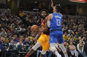 pacers reach 30-win mark with 111-99 victory over mavericks