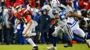 nfl rumors: chiefs want to extend tyreek hill, chris jones; bengals trying to sure up coaching staff