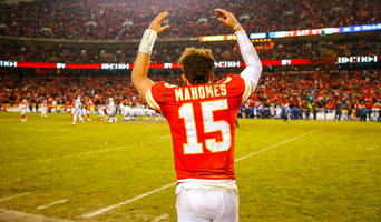 report: patrick mahomes could sign nfl's first $200m contract in 2020