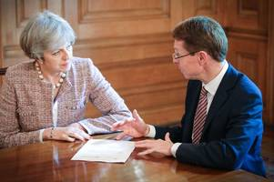 theresa may to consult english 'regional leaders' as she admits she still doesn't have a brexit deal mps will support