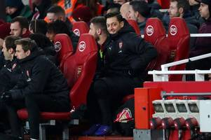 unai emery reveals his plan for arsenal star mesut ozil ahead of man united and cardiff clashes