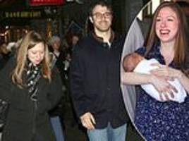 chelsea clinton announces she is pregnant with her third child
