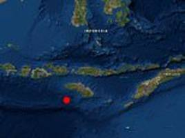 earthquake rocks raba on indonesian island of sumbawa