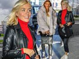 Holly Willoughby cuts a casual figure as she joins Ferne McCann before kicking off their NTAs prep
