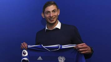 emiliano sala: fears cardiff fc player on missing plane