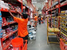 a home depot exec explains the key reason why pushing for 'the store of the future' could backfire (hd)