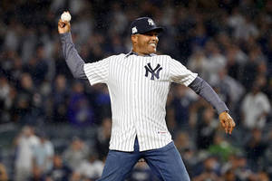 watch mariano rivera's touching moment learning he got elected to baseball hall of fame (video)