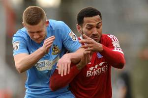 number four through the door! lincoln city sign ipswich town winger