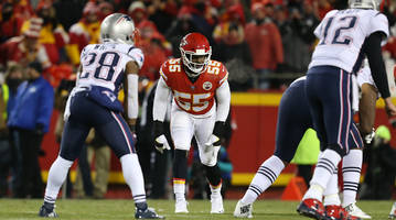 Traina Thoughts: Video of Chiefs' Dee Ford Asking Teammates If He Was Offsides Against Patriots Is So Unpleasent To Watch
