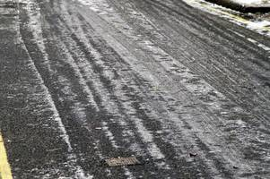 drivers who travel too fast in icy conditions across westcountry labelled idiots