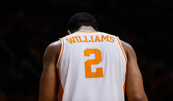 grant williams perfect from free throw line, scores 43 points in no. 1 tennessee's win vs. vanderbilt