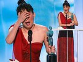 sag awards: sandra oh breaks down in tears as she wins best female actor for killing eve