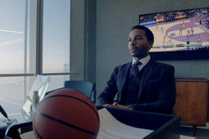 'high flying bird' film review: steven soderbergh shoots and scores with nba drama