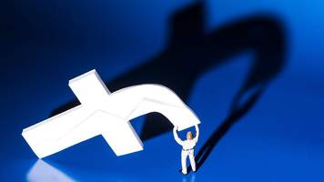 facebook and google: the data guardians fight back
