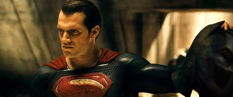 'justice league' director zack snyder is making a zombie-heist movie for netflix, and it's a perfect pairing