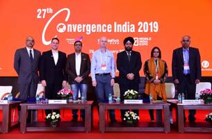 shri vinay thakur, director - project development, national egovernance division, ministry of electronics and it, addresses select audience on day 2 at the 27th convergence india 2019 expo