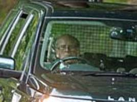 hundreds of insurers would refuse to cover prince philip after land rover crash