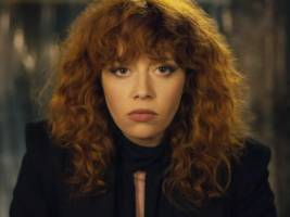 netflix's 'russian doll' has a 100% score on rotten tomatoes, and the creators have already pitched multiple seasons