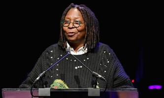 whoopi goldberg asked to be first female doctor