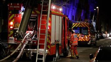 seven reported dead in paris building fire